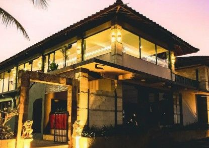 Hotel Griptha Kudus Teras