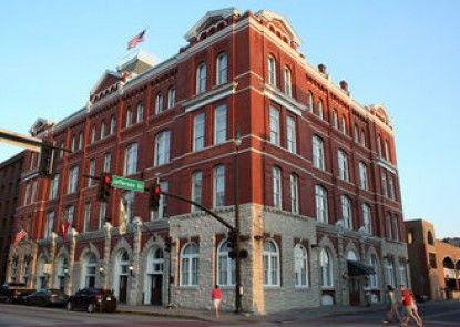 Hotel Indigo Savannah Historic District