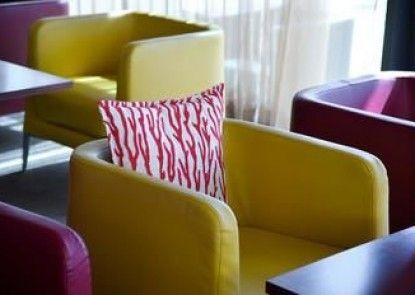 Hotel Kyriad Prestige TOULON - L S S M - Centre Port