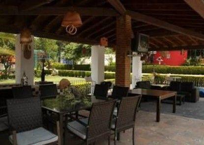 Hotel La Escondida