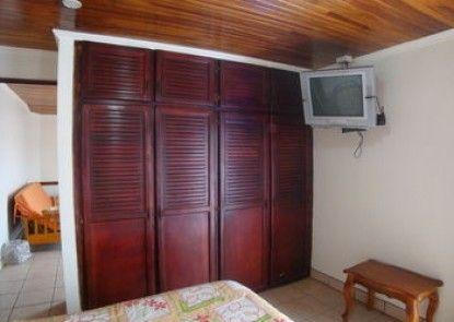 Hotel La Guaria Inn & Suites