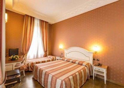 Hotel La Lumiere di Piazza di Spagna