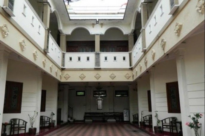 Hotel Mangkuyudan Solo, Solo