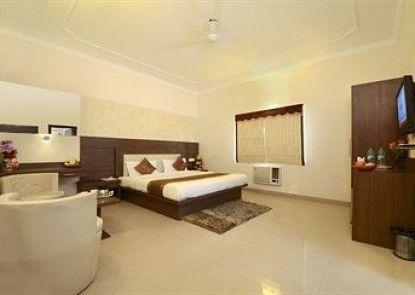 Hotel Maniram Palace