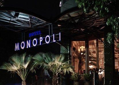 Hotel Monopoli Jakarta Teras