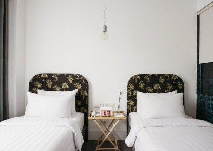 Hotel Monopoli Jakarta Kamar Tamu