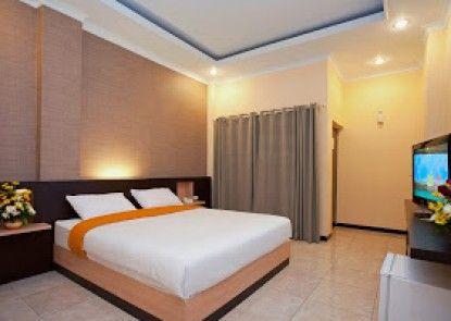 Hotel New Merdeka Pati Teras