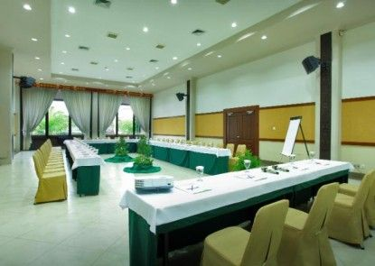 Hotel Niagara Parapat Ruangan Meeting