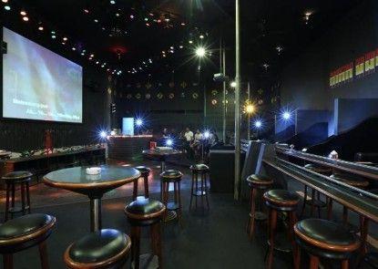Hotel Niagara Parapat Pub