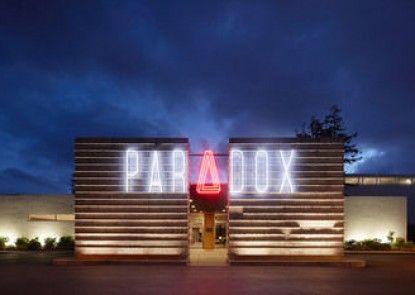 Hotel Paradox, Autograph Collection