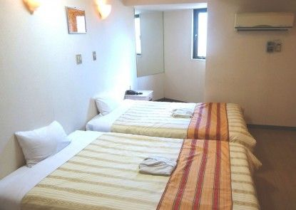 Hotel Peace Land Naha