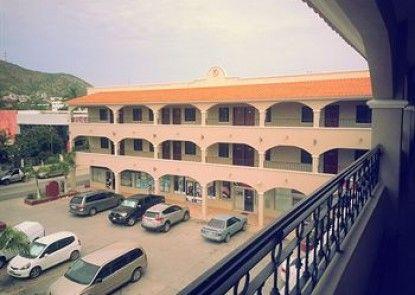 Hotel Plaza Los Arcos