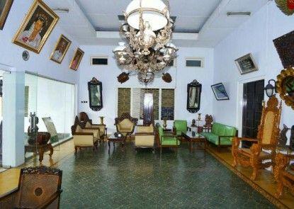 Hotel Prayogo Tiga Lobby