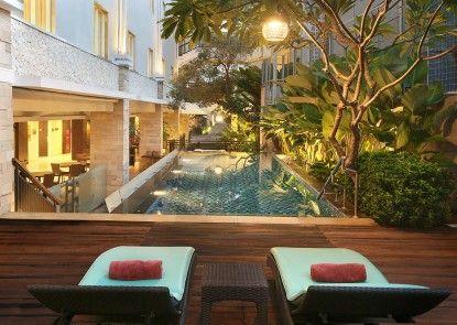 Hotel Primera Seminyak managed by AccorHotels Kolam Renang