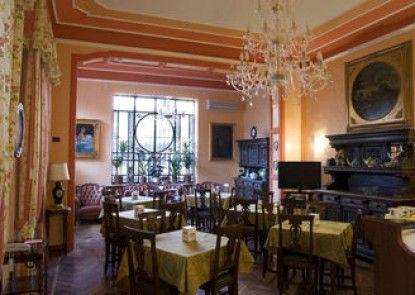 Hotel Principi d\'Acaja