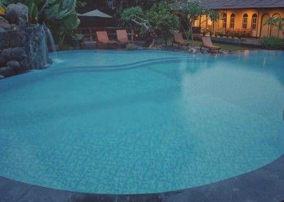 Hotel Puri Pangeran Kolam Renang