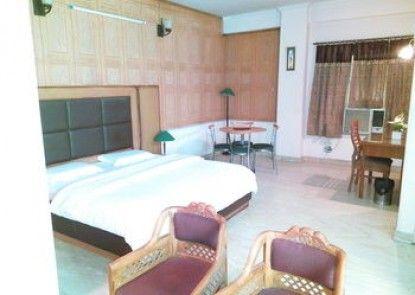 Hotel Queens Residency Gurgaon