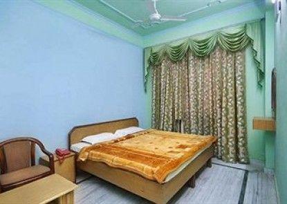 Hotel Raj Bed & Breakfast