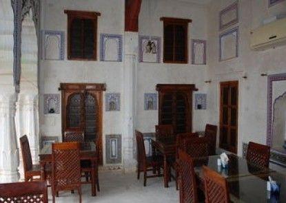 Hotel Ramgarh Fresco