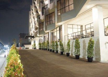 Hotel Rivoli Jakarta Pintu Masuk