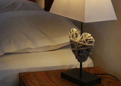 Hotel Roses (ex-Hotel Aux Trois Roses)