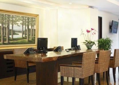 Hotel Santika Kuta Bali Lobby