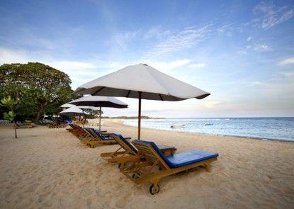 Hotel Santika Siligita Pantai