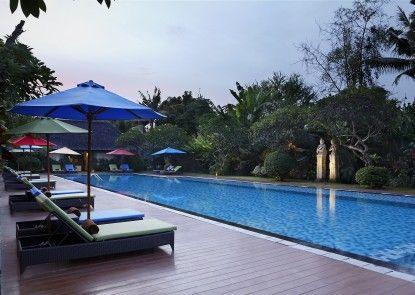 Hotel Santika Siligita Kolam Renang