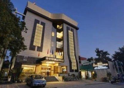 Hotel Seven Hills Tower