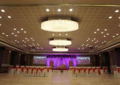 Hotel Silver Cloud Ahmedabad