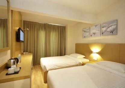 Hotel Six Seasons