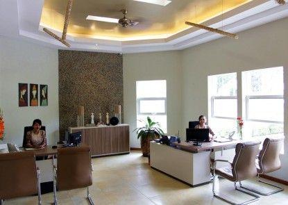Hotel Sriti Penerima Tamu