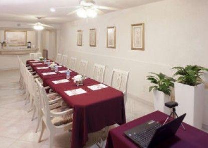 Hotel & Suites Quinta Magna