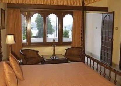 Hotel Swaroop Vilas