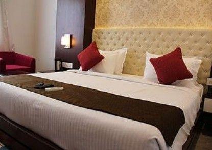 Hotel Taj Heights