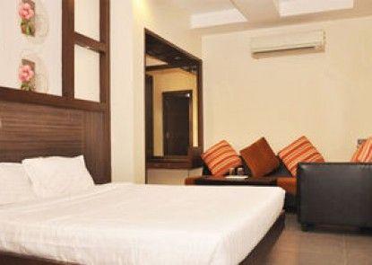 Hotel Tamizh Park