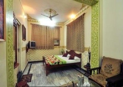 Hotel Teerth Palace