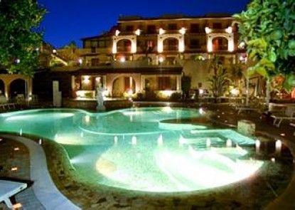 Hotel Tritone