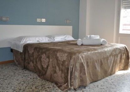 Hotel Urano - Bed & Breakfast