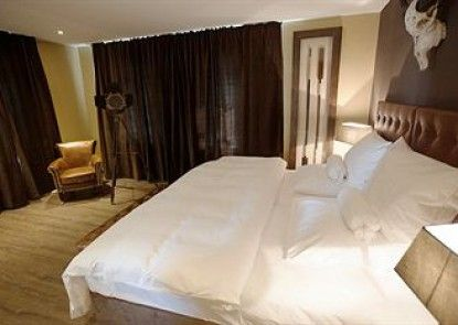 Hotel VIII