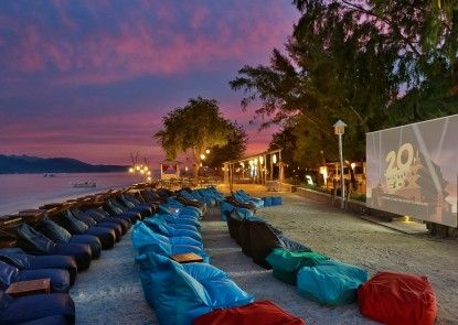 Hotel Vila Ombak Pantai