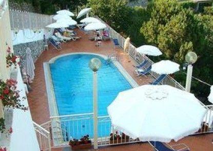 Hotel Zi\' Ntonio