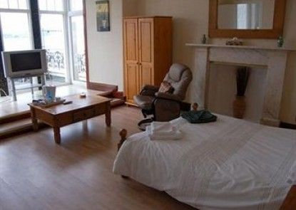 Howard\'s Way Guest House