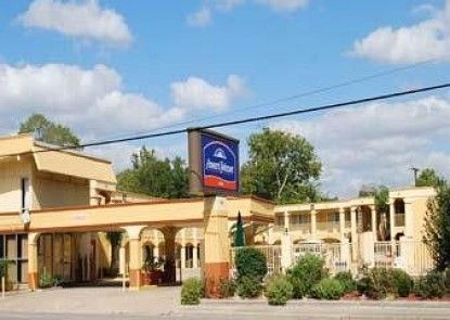 Howard Johnson Inn - Historic Lake Charles