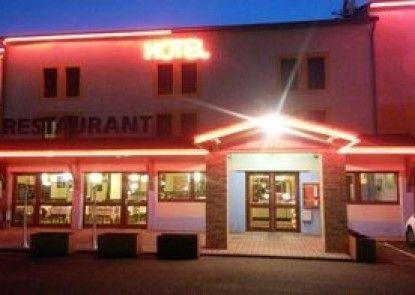 Hôtel balladins Roanne / Parigny