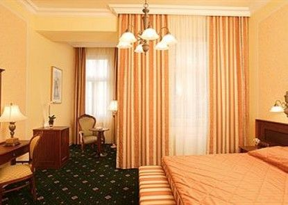 Humboldt Park Hotel And Spa