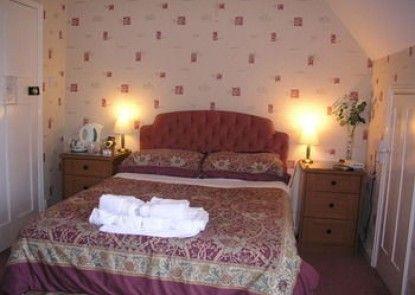 Hunters Lodge Hotel