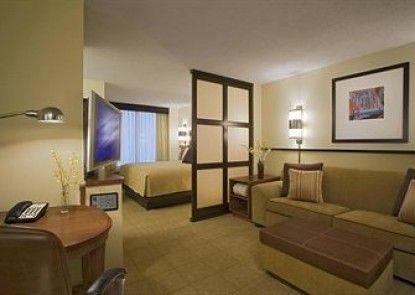 Hyatt Place Charleston Airport/Convention Center Teras