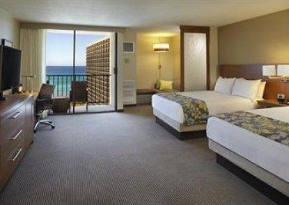 Hyatt Place Waikiki Beach Teras