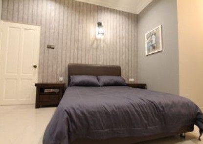 Ian\'s De Splendid Home